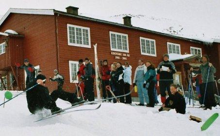 Ski-leik utenfor Krossbu fjellstue